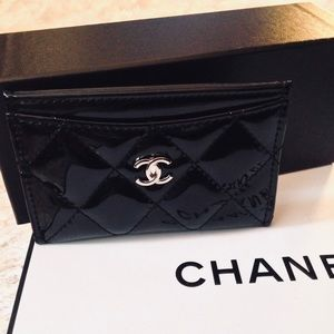 Accessories - 🍒CHANEL Quilted Faux Patent Leather Card Case